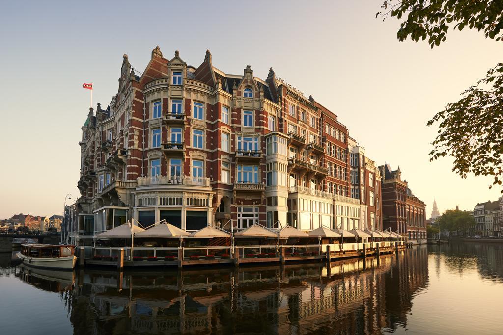 Vaar langs bezienswaardigheden in Amsterdam