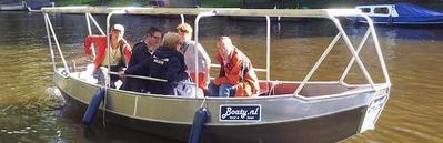 Zelfstandig te varen sloep Boaty Amsterdam