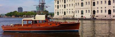 Canal boat Kaprifolia Amsterdam