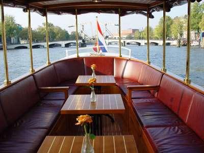 Canal boat Griffioen