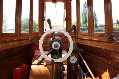 Canal boat De Liefde