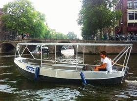 Zelfstandig te varen sloep Boaty