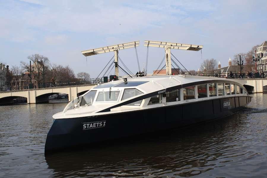 Rondvaartboot Staets