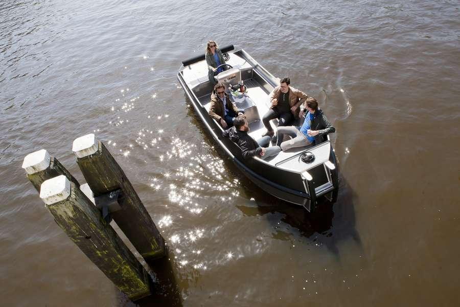 Zelfstandig te varen sloep Adam's Boat