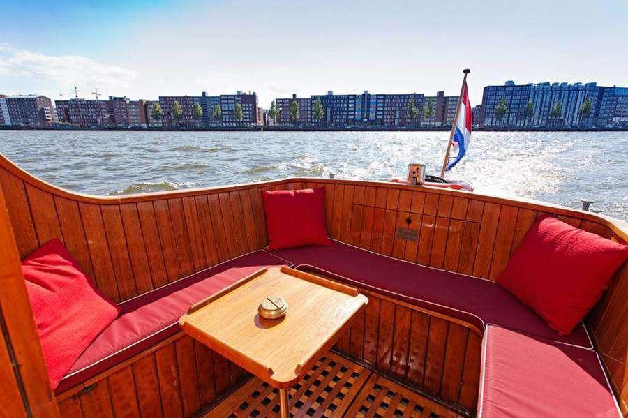 Лодка для каналов Jonkvrouw