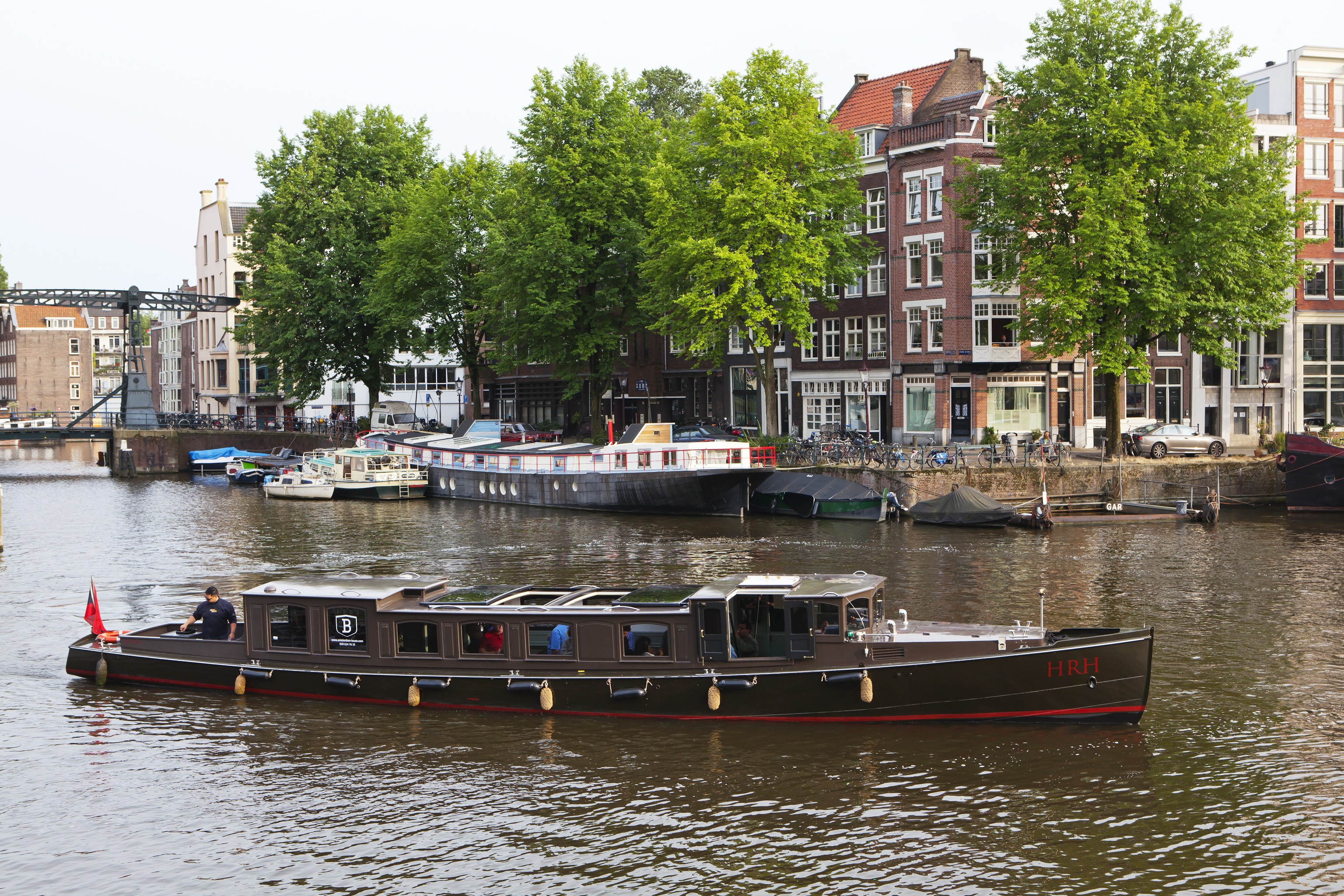rent 36 persons canal boat hrh via rent a boat amsterdam