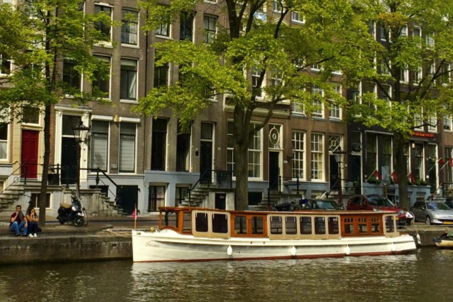 Canal boat Swaen